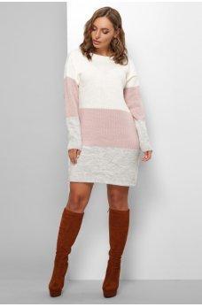 Вязаное платье в светлых тонах