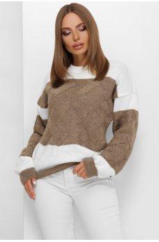 Молочно-кофейный привлекательный вязаный свитер