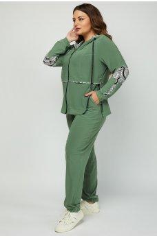 Оливковый модный костюм в спортивном стиле