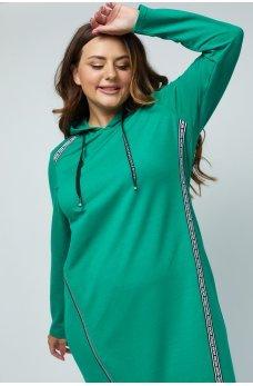 Зеленое комфортное платье в спортивном стиле