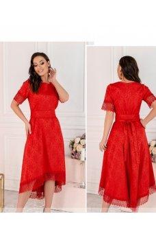 Женственное красное платье plus size