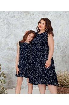 Темно-синее оригинальное платье батал в горох