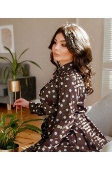 Трендовое женское платье цвета капучино