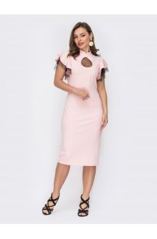 Экстравагантное платье с вырезом «капля»