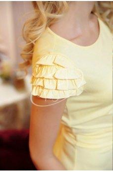 Нежное желтое платье с бантом