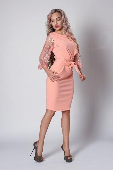 Нежное и утонченное пудровое платье
