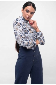 Ніжна блуза блакитного кольору з коміром-стійкою