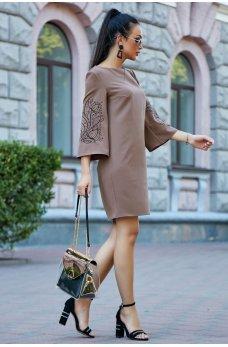 Платье кофейного цвета с вышивкой на рукавах