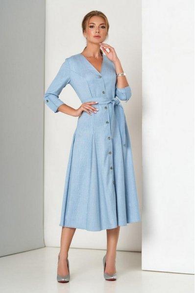 Шикарное льняное платье голубого цвета с расклешенной юбкой