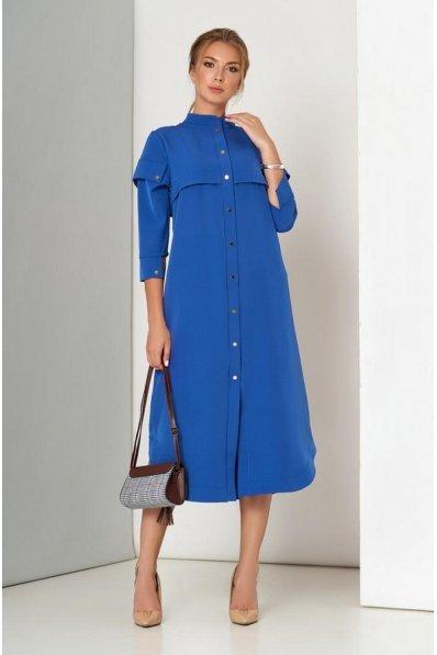 Синее платье свободного покроя на кнопках