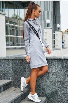 Светло-серое платье в спортивном стиле