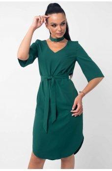 Весеннее платье зеленого цвета с чокером