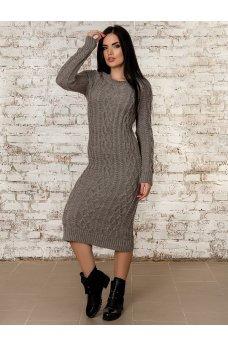 Теплое вязаное платье цвета мокко