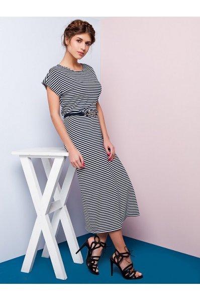 Длинное платье в сине-белую полоску