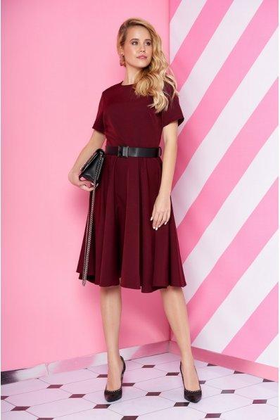 Элегантное марсаловое платье