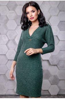 Коктейльное платье зеленого цвета с открытыми плечами