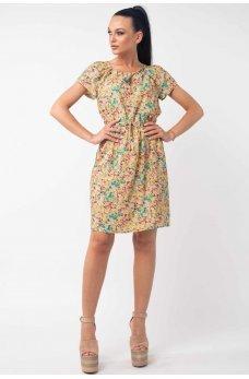 Легкое летнее платье с цветочным принтом желтого цвета