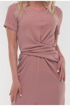 Легкое платье фрезового оттенка
