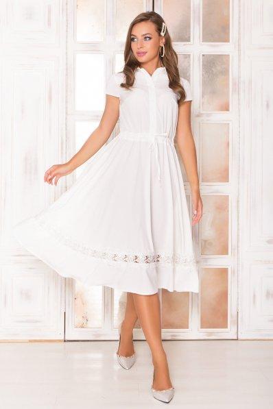 Молочное платье миди с кружевом по юбке