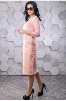 Персиковое замшевое платье с накладными карманами