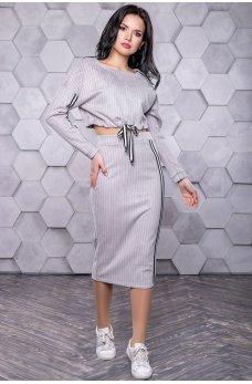 Серый замшевый костюм