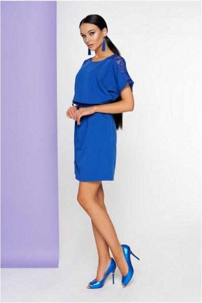 Женственное платье синего цвета
