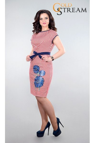 Оригинальное летнее платье в красно-белую полоску