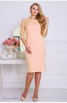 Нарядное персиковое платье из жаккарда