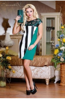 Стильное платье с перфорацией