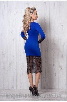 Интригующее платье цвета электрик
