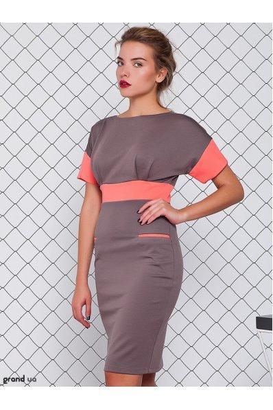 Платье цвета капучино с отделкой