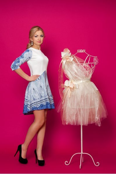 Нежное платье с асимметричным низом