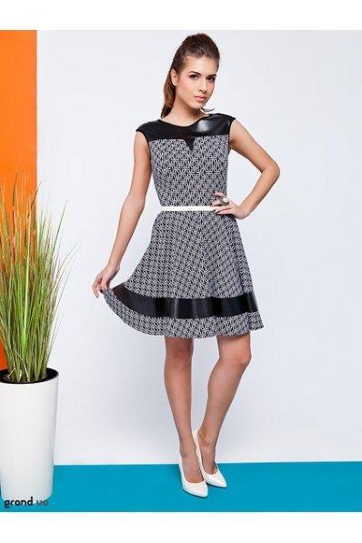 Черно-белое платье абстракция