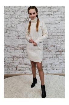 Вязаное платье молочного цвета с разрезами по бокам