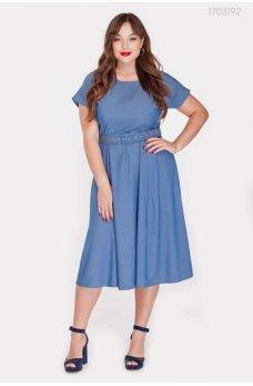 Голубое джинсовое платье с поясом