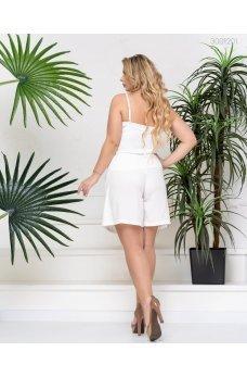 Белые летние стильные шорты