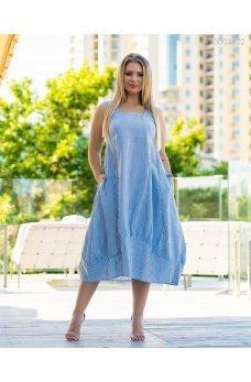 Голубое свободное платье в полоску