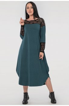 Зеленое платье оверсайз с гипюром