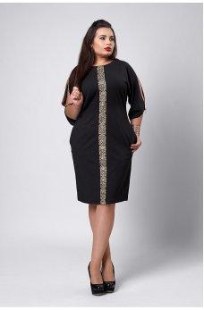 Нарядное черное платье с золотым орнаментом