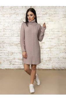 Зимнее платье пудрового цвета