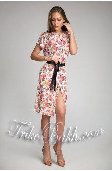 Розовое принтованное платье на пуговичках