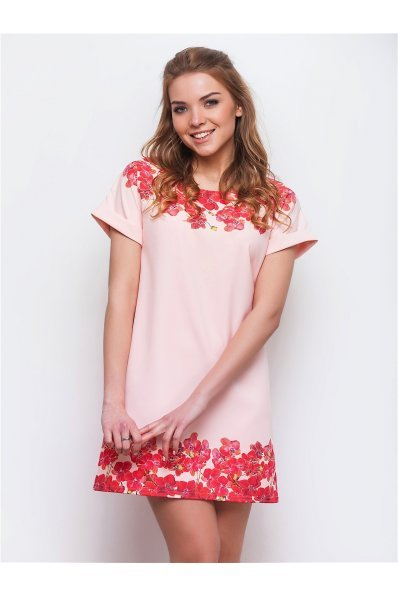 Розовое платье с купонным принтом орхидеи