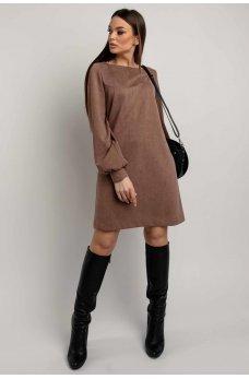 Женственное короткое платье цвета капучино