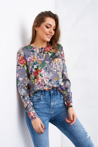 Серая блузка в цветочный принт