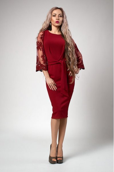 Шикарное бордовое платье с кружевом