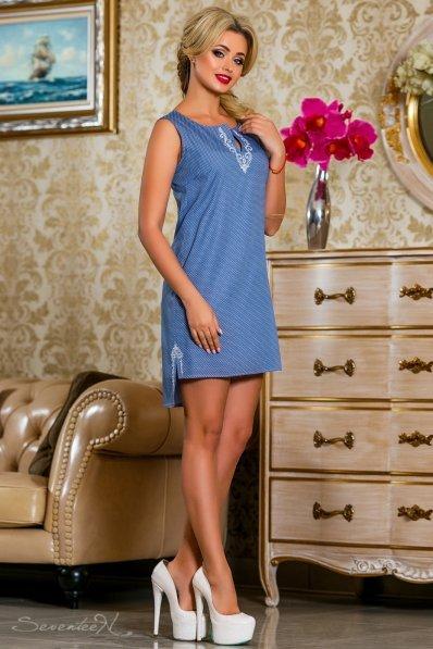 Стильное коттоновое платье с асиметричным низом