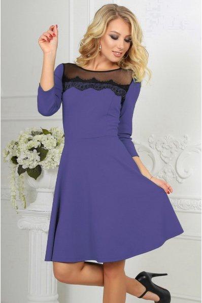 Сиреневое кокетливое платье