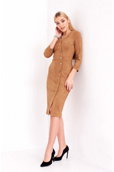 Стильное замшевое платье песочного цвета