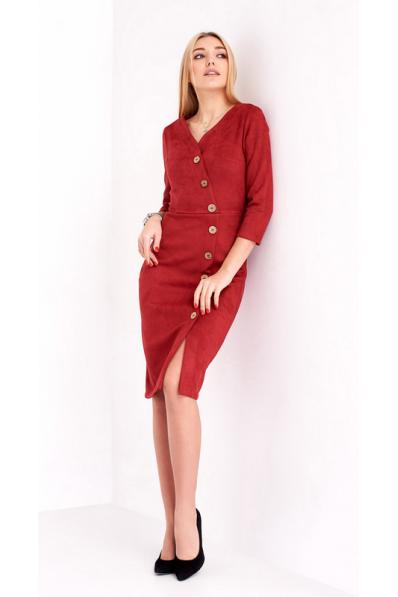 Стильное замшевое платье вишневого цвета