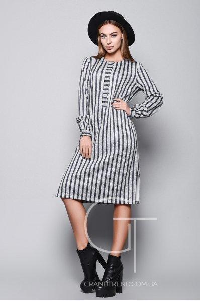 Стильное платье рубашечного кроя в полоску